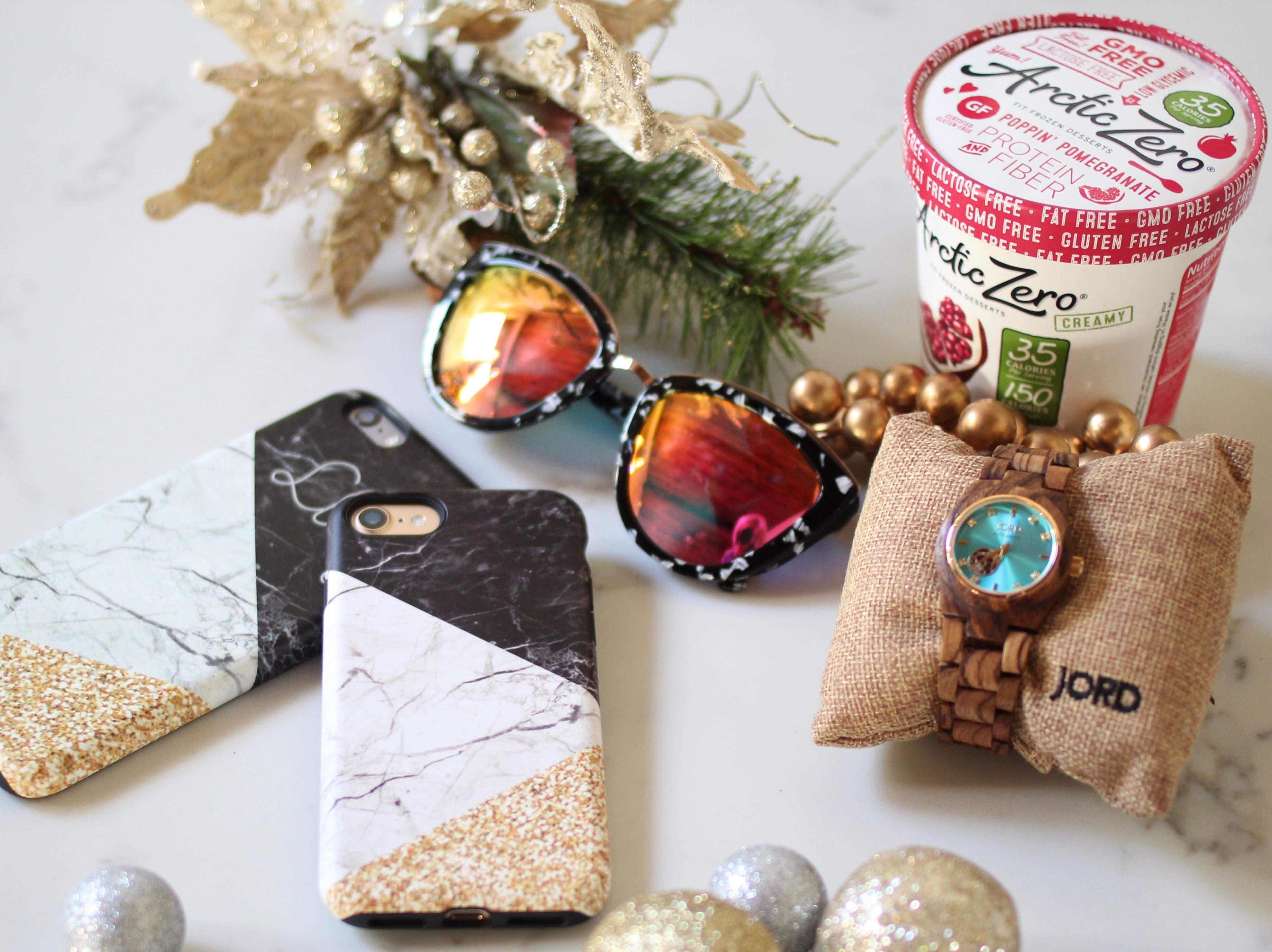 Holiday Gift Guide: 8 Ideas for Presents Everyone Loves Receiving